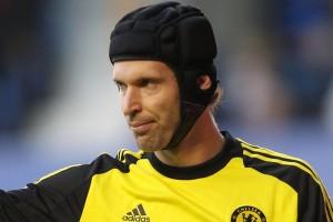 Calciomercato Napoli. Čech a un passo dalla firma, ma ad una condizione: dovrà togliere il casco.