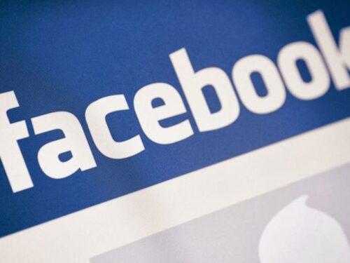 """Facebook. Sotto le foto, di fianco al """"Mi piace"""", arriva il tasto """"Sei un cesso""""."""