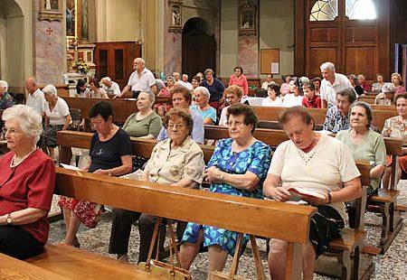 Per le nostre nonne arrivano le Olimpiadi della preghiera. Vince chi recita più velocemente e ad alta voce il Rosario.